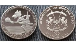 100 франков Буркина-Фасо 2017 г. ЧМ в России, волк забивака - матовая